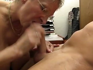 XXX OMAS - Incorrect Germany granny takes dick at the office