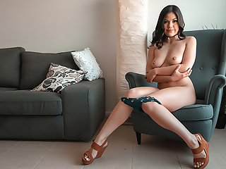 Asian Kendra: Squirting, Anal & Amulet