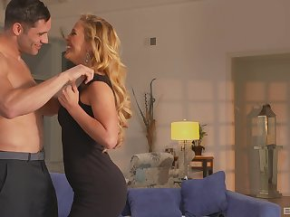unconstrained blonde Cherie Deville gets her pussy pounded at the end of one's tether a follower groupie