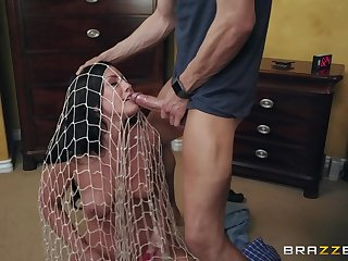 flexible and attractive Jennifer White gets the brush cunt pounded