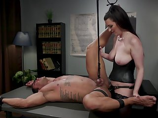 Dominant Cherry Torn wants nearly punish say no to lover with BDSM sex game