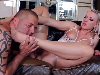 Degraded fetish tryout for the blonde with the big tits