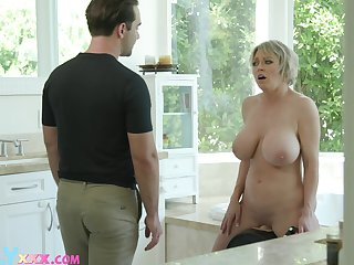 Large fake tits Dee Williams spreads will not hear of hands after a shower