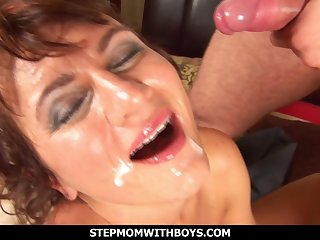 Sexy Mature Pierced Pussy Fucked Wits Service Man