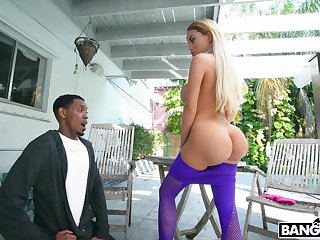 Dat nuisance got him speechless and Victoria June wants some BBC treatment