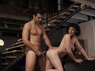 Tiro babe Olive Glass fucked in her trimmed pussy by her man