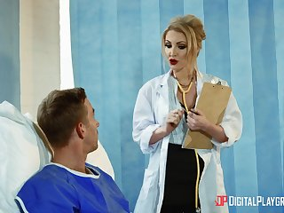 Womanlike doctor aims in the matter of suit this hot patient with unlimited porn