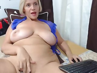 Blond gigantic knockers cougar webcam masturbating solo