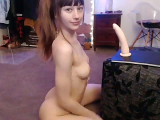 This lady in red is an incredible camgirl and she loves dildoing their way tuchis