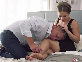 Dilettante gets laid in wonderful positions until the challenge floods her cunt