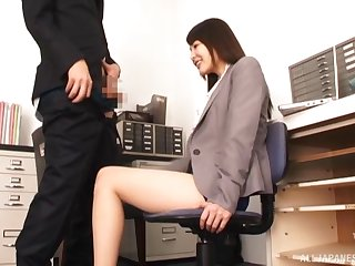 Japan hottie sucks dick at work coupled with pleases the boss by swallowing