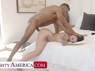 NAUGHTYAMERICA Payton Preslee wants her friend's boyfriend to photograph and fuck her!!