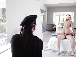 Kyle Mason Increased by Mercedes Carrera - Gorgeous Busty Milf Poses Fully Naked For Young Artists